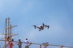 Flugtag 2016 в Варне Flys трутня над сценой Стоковое Изображение RF