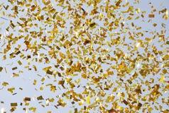 Flugwesen Confetti im Himmel lizenzfreies stockbild