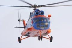 Flugwesen des Hubschraubers Mi-8 ist Himmel Stockbilder