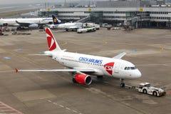 Flugzeug Airbus A319 der tschechischen Fluglinien Lizenzfreie Stockbilder