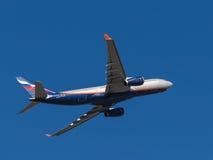 Flugzeug Airbus A330, I Brodsky Stockfotos