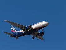 Flugzeug Airbus A319, I stravinsky Lizenzfreie Stockbilder