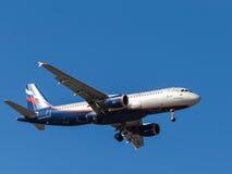 Flugzeug Airbus A320, V Vereshchagin Stockfotografie