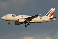 Flugzeug Airbusses A319 Lizenzfreie Stockfotos