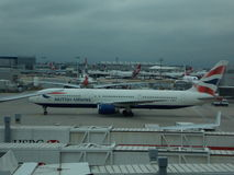 Flugzeug auf Schutzblech Stockbilder