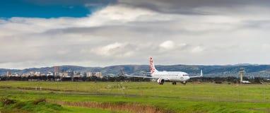 Flugzeug bereit, Adelaide-Flughafen einzulassen Stockbilder