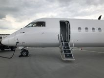 Flugzeug bereit zur Abfahrt lizenzfreies stockbild
