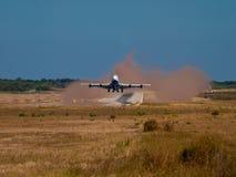 Flugzeug bilden etwas Staub Lizenzfreies Stockfoto