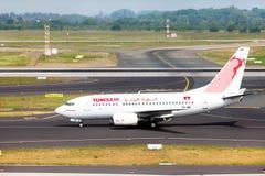 Flugzeug Boeing 737-6H3 von Tunisair Lizenzfreie Stockbilder