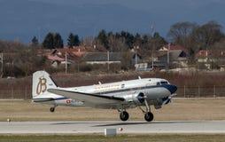 Flugzeug Breitling DC-3 in Zagreb Lizenzfreie Stockfotos