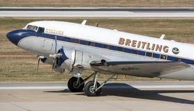 Flugzeug Breitling DC-3 in Zagreb Stockbilder