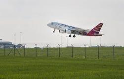 Flugzeug CSA Airbus mit einem Taxi gefahren auf die Rollbahn Lizenzfreies Stockbild