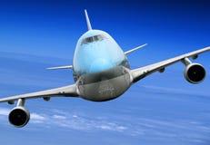 Flugzeug, das sich nach rechts dreht Stockbild