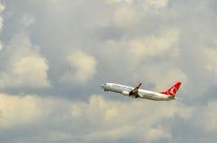Flugzeug in der Luft Lizenzfreies Stockbild