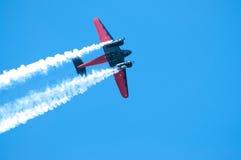 Flugzeug in der Tätigkeit Stockbild