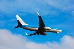 Flugzeug entfernt sich lizenzfreie stockbilder