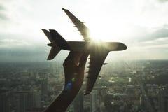 Flugzeug-Flugzeug-Luftfahrt-Transport-Reise-Reise-Konzept lizenzfreie stockbilder