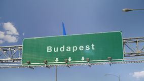 Flugzeug-Landung Budapest stock video footage
