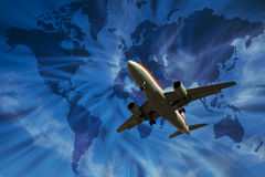 Flugzeug mit Weltkarte Stockfotografie