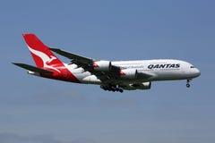 Flugzeug Qantass Airbus A380 Lizenzfreie Stockfotos