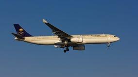 Flugzeug Saudia Airbus A330 Stockfotos