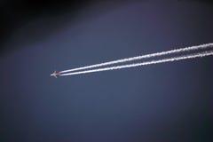 Flugzeug und Spur Stockfoto