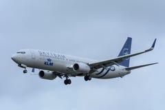 Flugzeug von Fluglinien PH-BXO Boeing 737-900 KLMs Royal Dutch landet an Schiphol-Flughafen Lizenzfreie Stockfotos