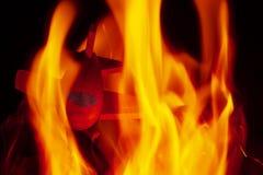 Flugzeugabsturz Flugzeug auf Feuer auf Feuer stockbilder