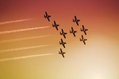 Flugzeugakrobatik lizenzfreie stockfotografie