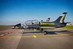 Flugzeuge Aero L-39 Albatros von Breitling Jet Team Lizenzfreie Stockfotografie