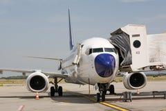 Flugzeuge aus den Grund lizenzfreie stockfotografie
