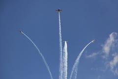 Flugzeuge, die Bildung breacking sind Stockbild