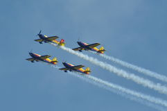 Flugzeuge, die einen Flug während eines Luft Fest durchführen Stockfoto