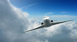 Flugzeuge im Himmel Stockfotos