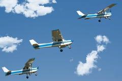 Flugzeuge im Himmel Lizenzfreie Stockbilder