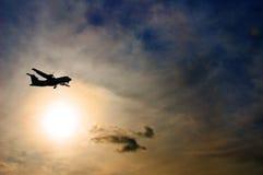 Flugzeuge im Himmel Lizenzfreie Stockfotos