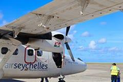 Flugzeuge im Mahe Flughafen Lizenzfreie Stockfotos