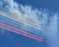 Flugzeuge in Moskau-Himmel Lizenzfreies Stockbild
