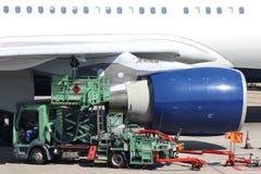 Flugzeuge refueller Lizenzfreie Stockfotos