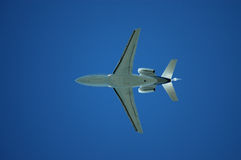 Flugzeuge von unterhalb stockfotos