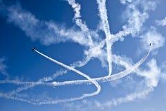 Flugzeugerscheinen Stockfotos