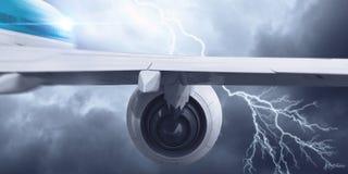 Flugzeugfliegen im stürmischen Himmel Gemischte Medien Stockbild