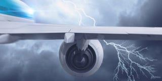 Flugzeugfliegen im stürmischen Himmel Gemischte Medien Gemischte Medien Stockbild