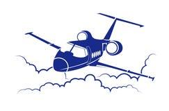 Flugzeugfliegen unter Wolken Stockfotos