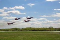 Flugzeuggruppenkunstfliegen ` Swifts-` Lizenzfreie Stockfotografie