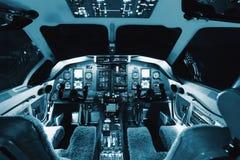 Flugzeuginnenraum, Cockpitansicht innerhalb des Passagierflugzeugs Stockbild