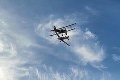 Flugzeugkampf im Himmel. Stockfotos
