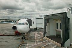 Flugzeugparken Stockfotos