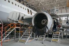 Flugzeugreparatur und -modernisierung Lizenzfreie Stockfotos