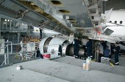 Flugzeugreparatur und -modernisierung Lizenzfreies Stockfoto